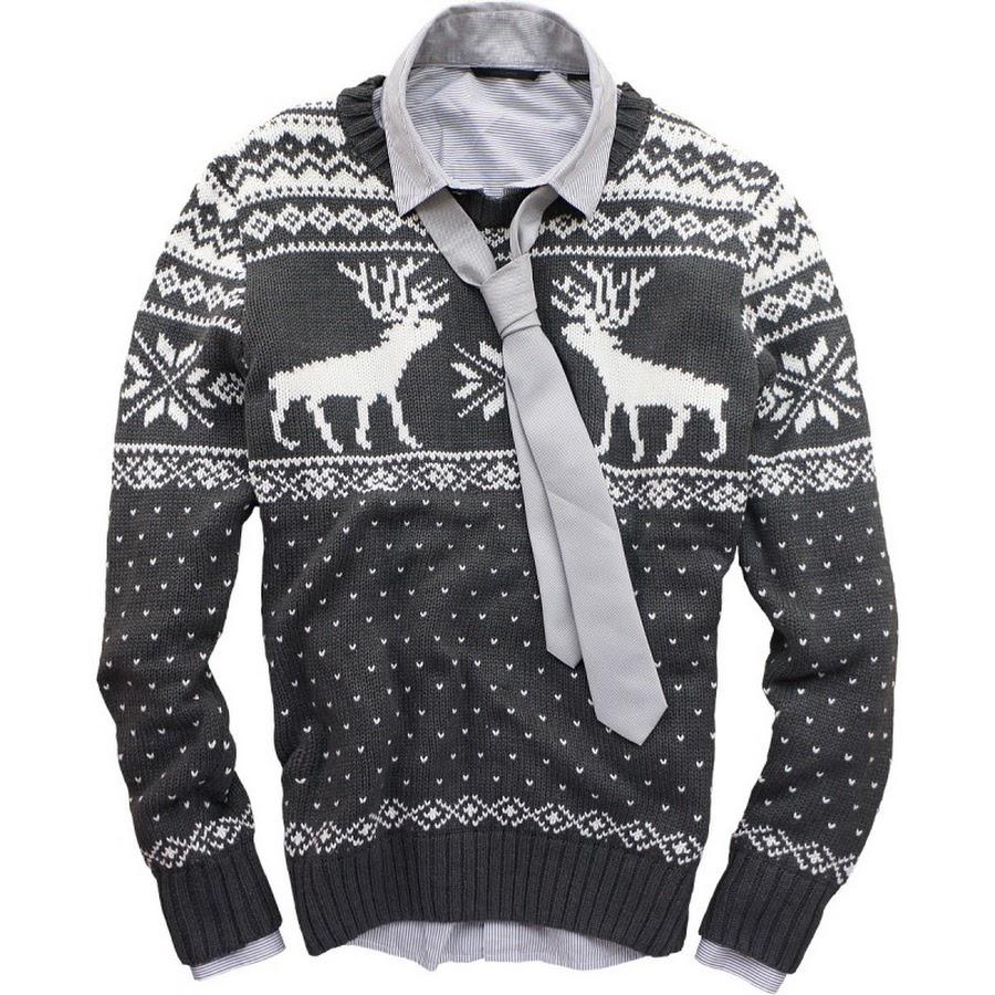 Модные мужские свитера с оленями